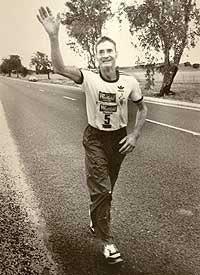 Клифф Янг выигрывает супер-марафон в 61 год