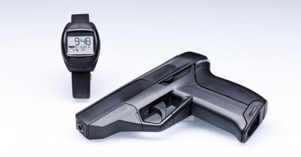 Умный пистолет Armatix iP1 с часами