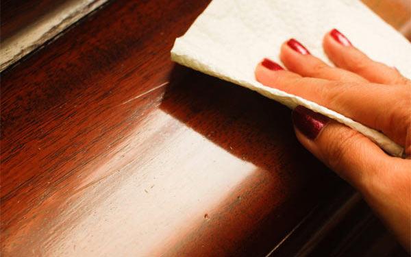 Удаление царапин на мебели