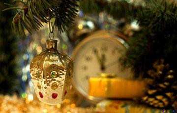 Украшения и мелкие подарки покупайте в январе