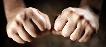 Сожмите кулаки - 10 способов победить страх и волнение