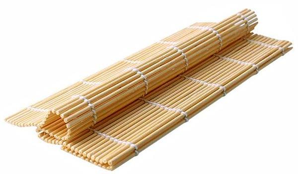 Коврик для роллов из деревянных палочек